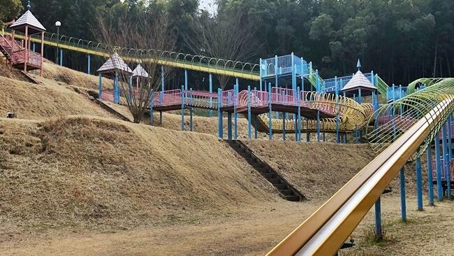 金沢自然公園のローラー滑り台